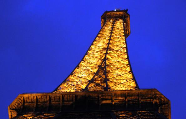 Besteht aus 18.000 Einzelteilen: Der Pariser Eiffelturm. (Foto: Karsten-Thilo Raab)