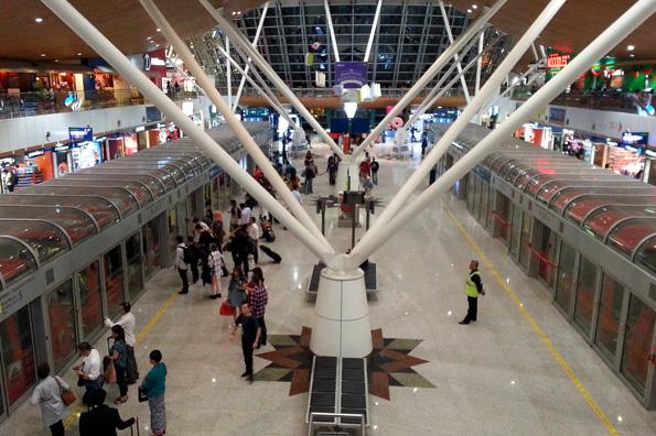 Modern und leistungsstrak: Der Kuala Lumpur International Airport. (Foto: Karsten-Thilo Raab)