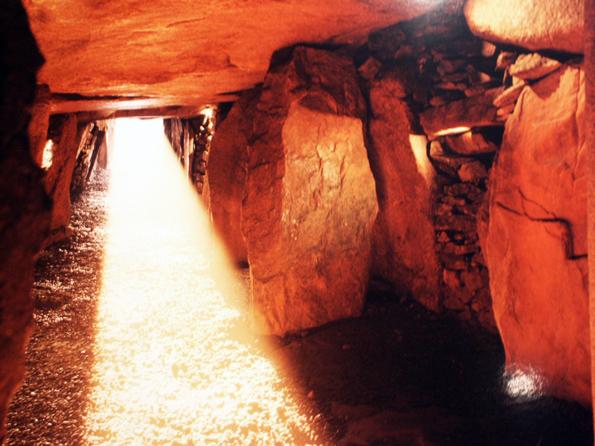 Das Ganggrab von La Hougue Bie ist älter als die Pyramiden von Gizeh. (Foto: Karsten-Thilo Raab)