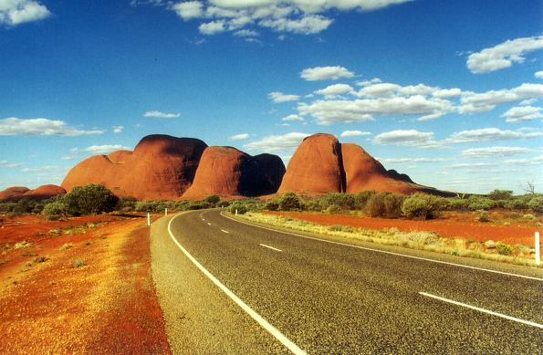 Weniger bekannt als der Ayers Rock, aber nicht minder spektakulär: Die Olgas. (Foto: Karsten-Thilo Raab)