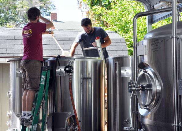 In Peg's Cantina lassen sich die Bierbrauer bei der Arbeit über die Schulter schauen.