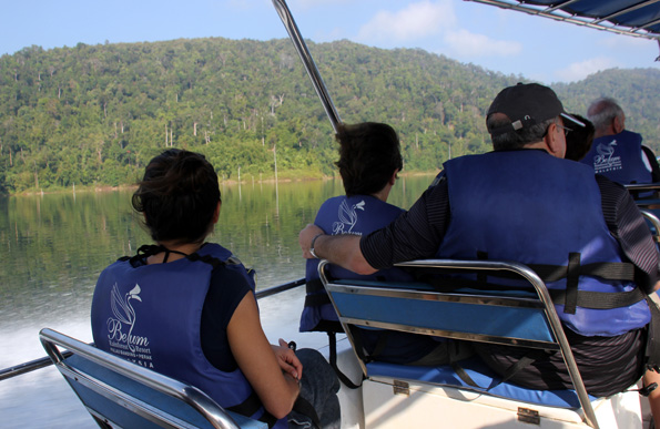 Mit dem Boot lasse sich zumindest Teile des Belum Rainforest erschließen. (Foto: Karsten-Thilo Raab)
