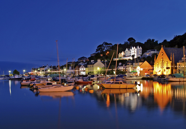 Abendstimmung am Hafen von St. Aubin.