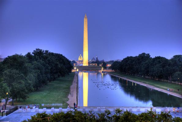 Kann nach 32-monatigen Instandsetzungsarbeiten wieder bestiegen werden: Der weltgrößte Obelisk, das Washington Monument in Washington DC.