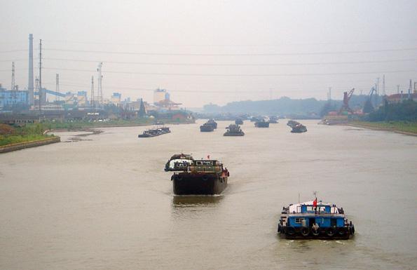 Mit seinen fast 1.800 Kilometern Länge ist der Kaiserkanal in China die größte, von Menschenhand geschaffene Wasserstraße der Welt.