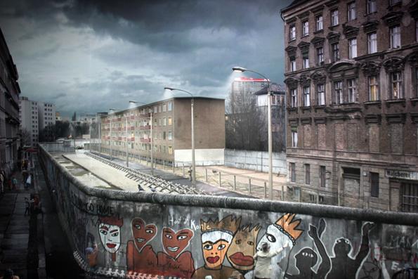 Gut zu erkennen sind im Panometer die Mauer und der dahinter liegende Todesstreifen. (Foto: Karsten-Thilo Raab)