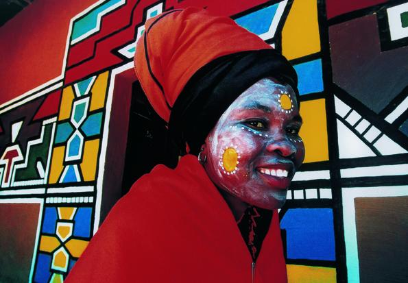 Bunt und vielfältig wie diese Zulu-Frau gibt sich Südafrika. (Fotos:  South Africa Tourism)