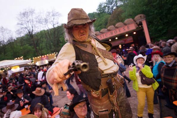 Ein absolutes Muss für Fans von Winnetou und Old Shatterhand sind die jährlich stattfindenden Karl-May-Festtage in Radebeul. (Foto: André Wirsig)
