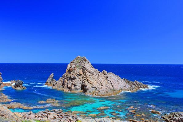 Blick auf das türkisblaue Wasser unweit vom  Cape Naturaliste. (Fotos: Tourism Western Australia)