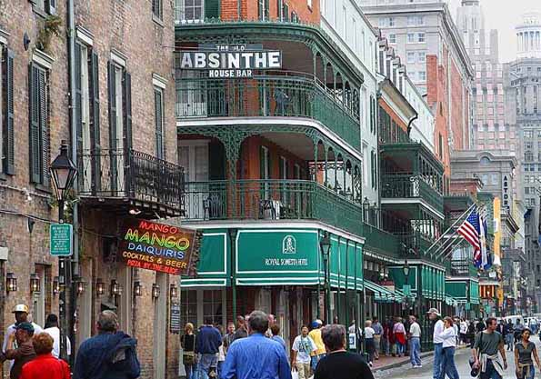 Beliebte Flaniermeil in New Orleans: Due Bourbon Street.