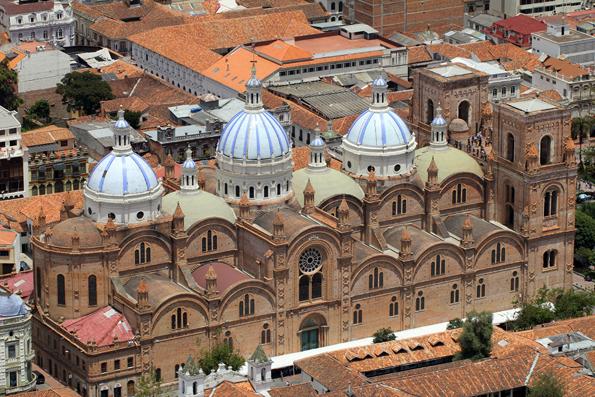 Einr der größten Prachtbauten Ecuadors: Die Catedral de la Inmaculada Concepción in Cuenca.