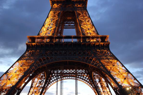 Pflichtstation bei jedem Paris-Besuch: Der Eiffelturm. (Foto: Karsten-Thilo Raab)