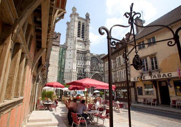 Markanter Blickfang: Die Kathedrale von Troyes.