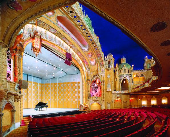 Als Drehscheibe des kulturellen Lebens sorgt das Coronado Performing Arts Center für An- und Aufregung.
