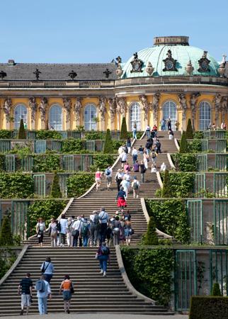 Eine Traumhafte Kombination: Die Gärten und das Schloss Sanssouci in Potsdam. (Foto Leo Seidel)