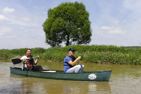 Auch vom Wasser aus lädt das Burgenland dazu ein, bei einer gemütlichen Kanutour entdeckt zu werden. (Foto: Udo Haafke)