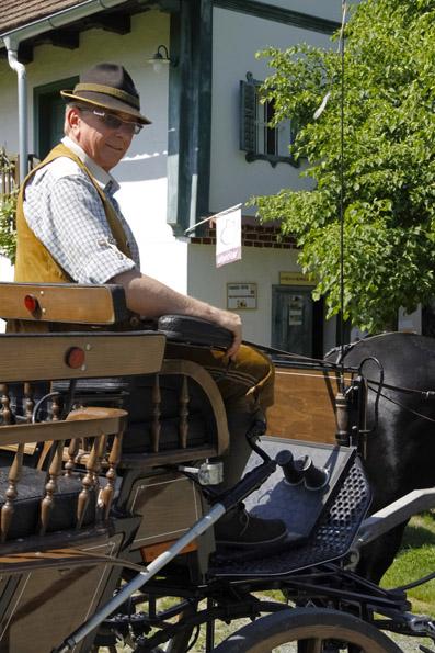 Mit einer Kutsche lässt sich die Schönheit des Klosterviertels im wahrsten Sinne des Wortes erfahren. (Foto: Udo Haafke)
