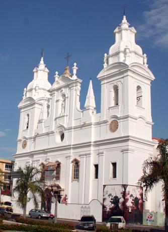 Wahrzeichen von Belém: Die Catedral da Sé. (Foto: Celso Roberto de Abreu Silva