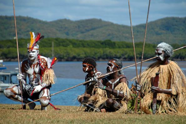Australiens Ureinwohner beteiligen sich am jährlich stattfindenden Cooktown Discovery Festival.