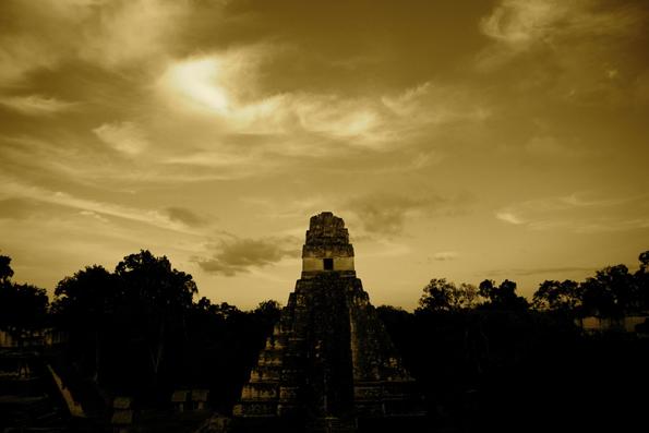 El Tigre Pyramide