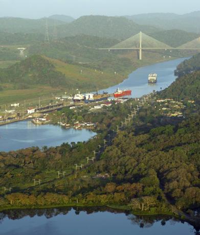 Der Panamakanal als wohl berühmteste künstliche Wasserstraße der Welt wird 100.