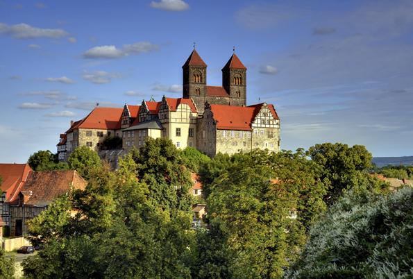 Überaus imposant: Der Schlossberg zu Quedlinburg. (Foto: Jürgen meusel)