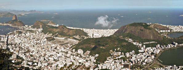 Gigantisch groß wirkt das Häusermeer von Rio de Janeiro. (Foto Jens Hausherr)