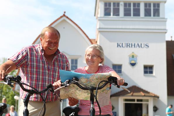 Das Kurhaus von Boltenhagen ist Startpunkt für die lehrreichen Radtouren rund um Boltenhagen.
