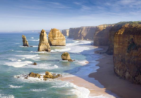 Die Twelve Apostels sind die berühmteste Sehenswürdigkeit entlang der Great Ocean Road.