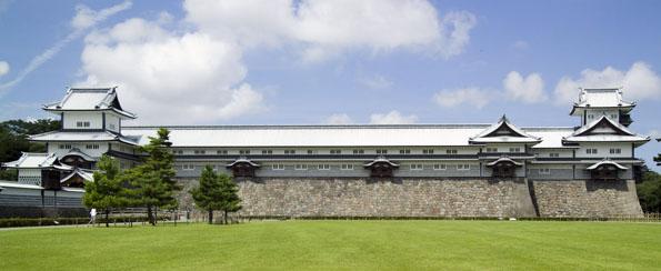 Eines der Wahrzeichen von Kanazawa ist die liebevoll restaurierte Burg.