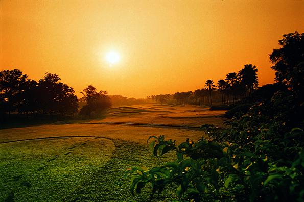Traumhaft im Abendlicht: Der Platz des Emeralda Golf and Country Clubs in Indonesien.