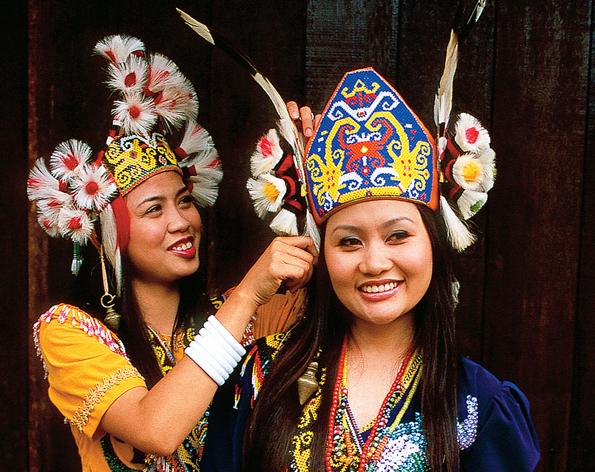 Natur und Kultur lassen sich in Serawak auf Borneo in ihrer ursprünglichen Form erleben und genießen.