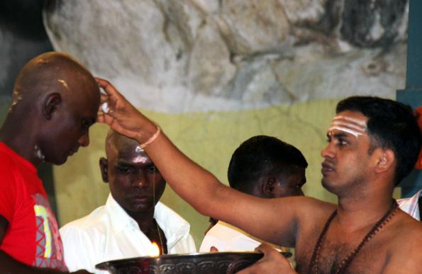 In den Batu Caves werden täglich die traditionellen Puja-Zeremonien abgehalten. (Foto: Karsten-Thilo Raab)