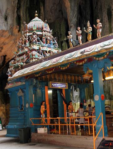 Ein ungewöhnlicher Blickfang: Die Tempel in den Batu Caves. (Foto: Karsten-Thilo Raab)