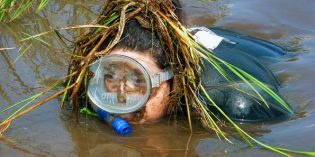 Schnorcheln im Torfmoor – Weltmeisterschaft im Bog Snorkelling im walisischen Llanwrtyd Wells