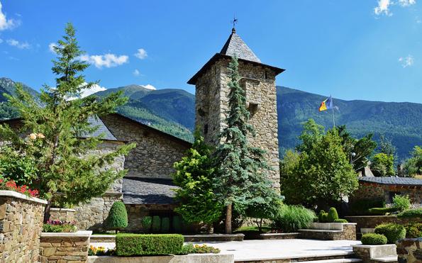 Einer der Prachtbauten von Andorra und Sitz des Parlaments: Das Casa de la Vall.