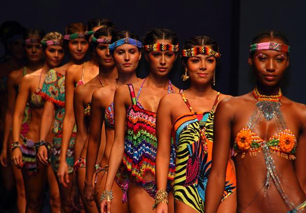 Nicht zuletzt dank der Fashionweek Colombiamoda mausert sich Medellín mehr und mehr zur Modekapitale. (Foto: Carlos Sueskún)