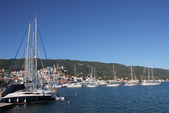 Auch Póros gilt als ein Kleinod am Saronischen Golf. (Foto: Karsten-Thilo Raab)