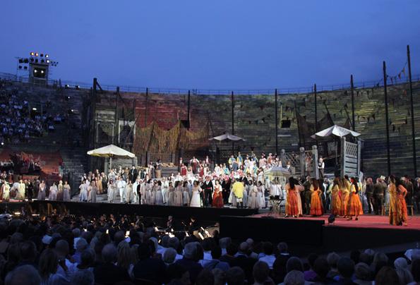 Die Arena die Verona bietet  perfekten Kulturgenuss in einem faszinierenden Setting. (Foto: Ulrike Katrin Peters)