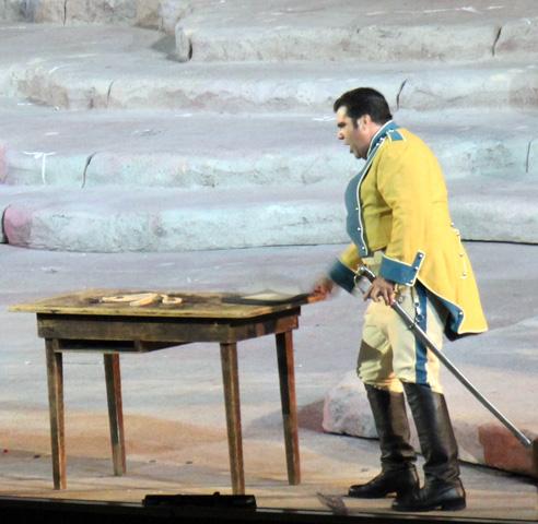 Noch bis in den September hinein werden in Verona verschiedene Opern unter freiem Himmel inszeniert. (Foto: Ulrike Katrin Peters)