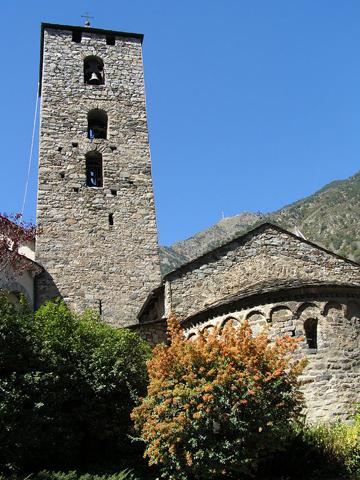 Markantes Bauwerk in der Haupstadt Andorra la Vella: Die Kirche Sant Esteve.