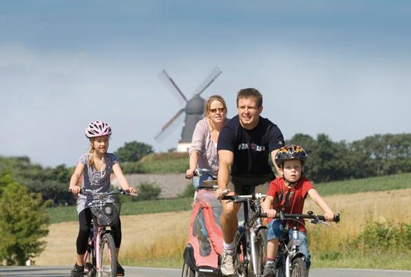 Süße, dramatische und königliche Runden:Neue Panaroma-Radrouten laden zu Tagestouren an Dänemarks Nordsee- und Ostseeküste ein. (Foto: Visit Denmark)