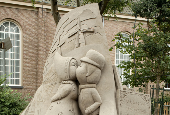 Im niederländsichen Zandvoort suchen die besten europäischen Künstler wieder ihren Meister beim Sandskulpturenfestival.