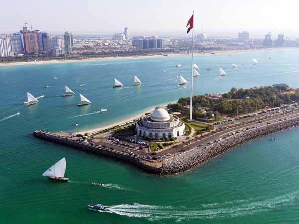 Spektakulär gelegen: Das Abu Dhabi Theatre.