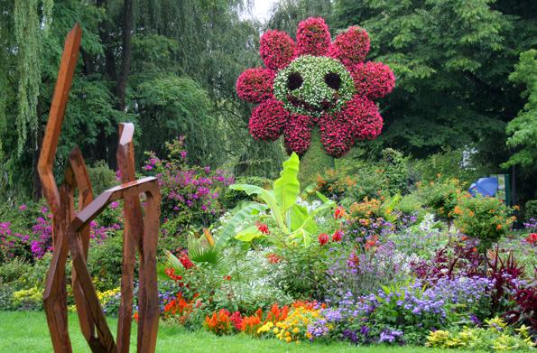 Die Blumeninsel Mainau ist bekannt für ihre überdimensionalen Skulpturen aus Blumen. (Foto: Karsten-Thilo Raab)