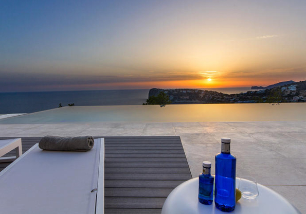 Ein mallorquinischer Traum: Eine Luxusimmobile mit eigenem Pool und Blick aufs Meer in Puerto Andrax.