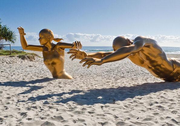 Beim Skulpturenfestival zeigt sich die Gold Coast auch schon mal von einer ungewohnt menschlichen Seite.