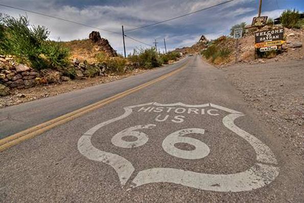"""Nicht erst seit dem Hollywood-Hit """"Easy Rider"""" der Traum für Biker: die route 66 in Arizona."""