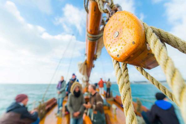 """Es gibt viel Spannendes zu Entdecken und zu Erleben bei einem Segeltoern an Bord des historischen Ewers """"Ronja"""""""