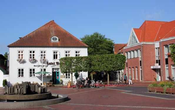 Blitzblank und von Backsteinbauten geprägt ist Westerstede. (Foto: Ulrike Katrin Peters)